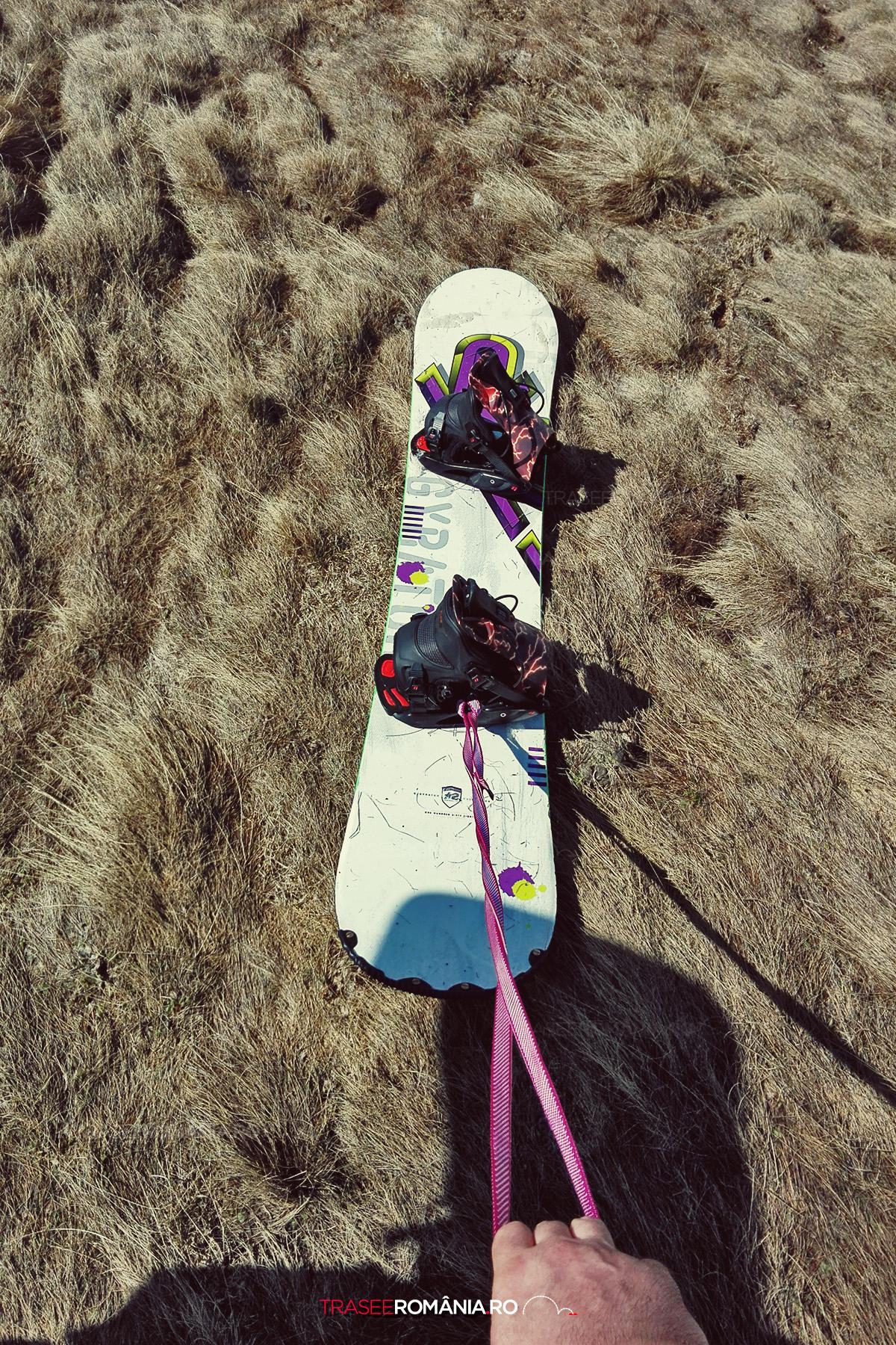 Snowboarding primavara tarziu in Muntii Bucegi