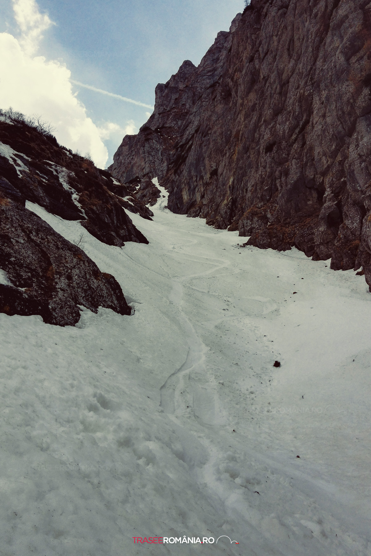 Snowboarding pe Valea Alba - Muntii Bucegi