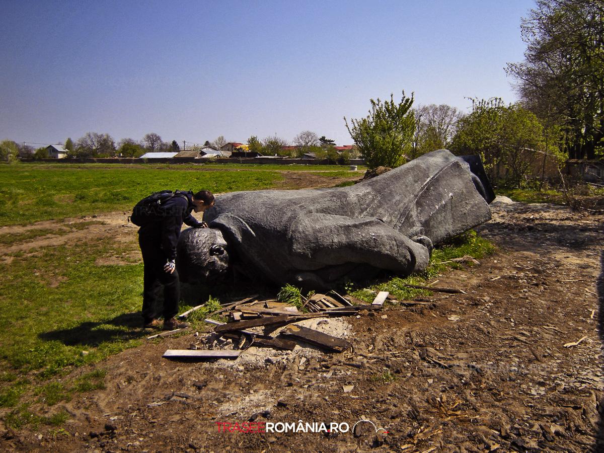 Statuie Lenin la Mogosoaia