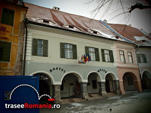 Casa si fosta Farmacie la Ursul Negru Muzeul de Istorie a Farmaciei din Piata Mica Sibiu