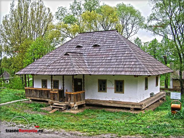 MUZEUL SATULUI BUCOVINEAN SUCEAVA Casa Campulung Moldovenesc - Casa Nemtan
