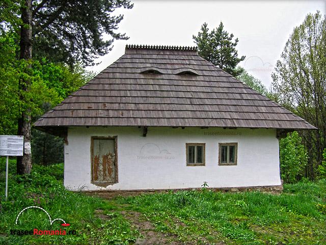 MUZEUL SATULUI BUCOVINEAN SUCEAVA Gospodaria traditionala din Radaseni