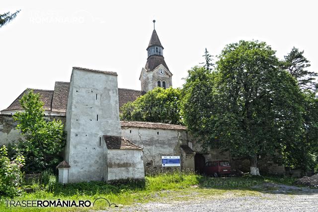 Biserica fortificata de la Bunesti