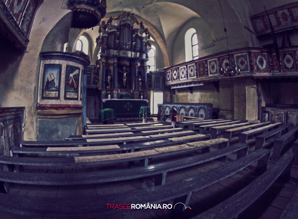 Biserica fortificata de la Homorod