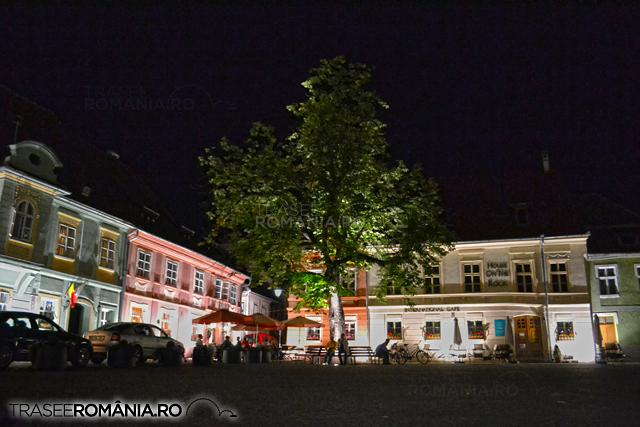 Sighisoara - Piata cetatii noaptea