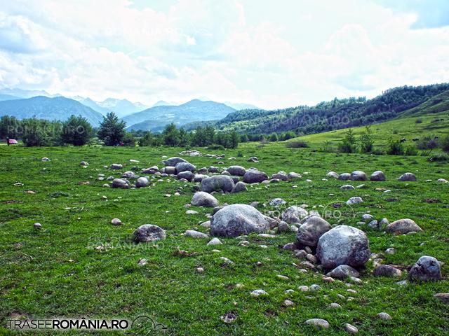 Campurile cu Granit Hateg