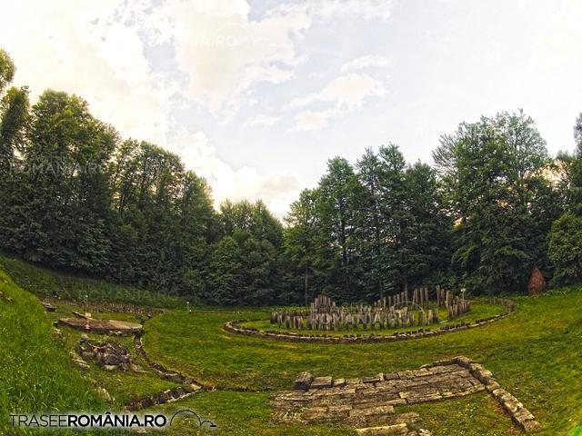 Sarmizegetusa Regia - Sanctuarul Mare de Andezit si Sanctuarul Mare circular