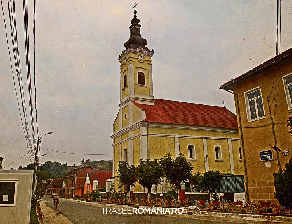 Eftimie Murgu Biserica centru