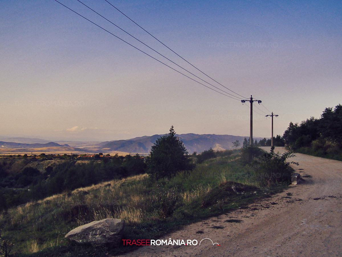 De la Nucsoara spre Cascada Carnic