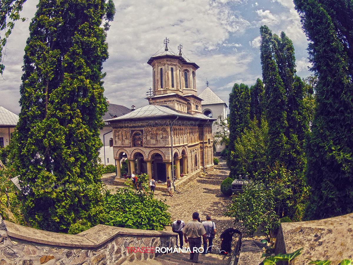 Manastirea dintr-un Lemn Valcea