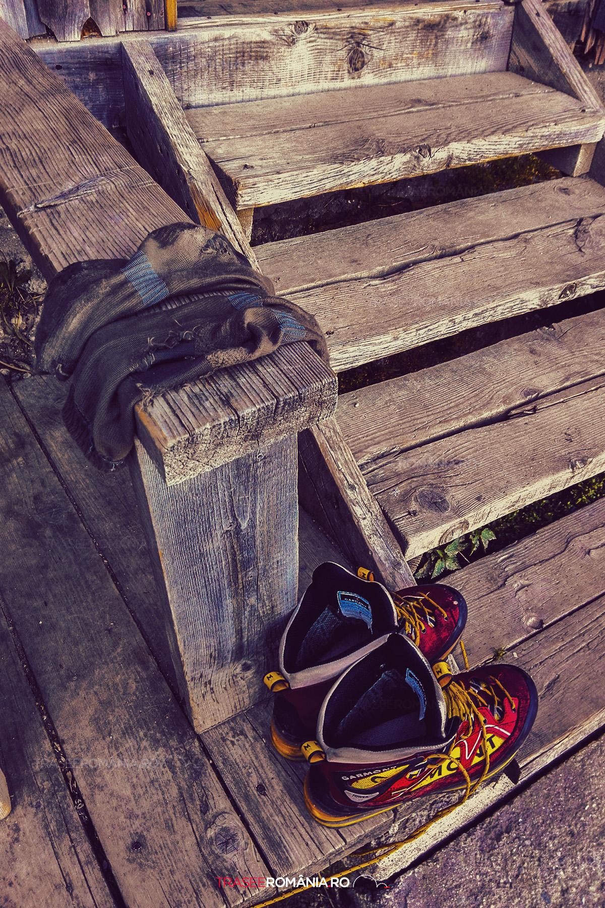 Bocanci buni pentru mers pe munte