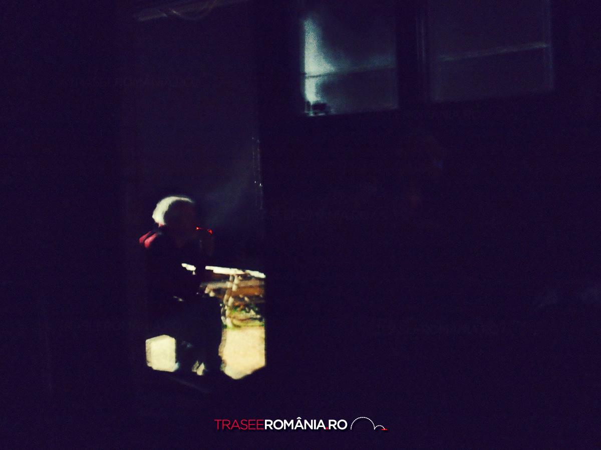 Fumand noaptea