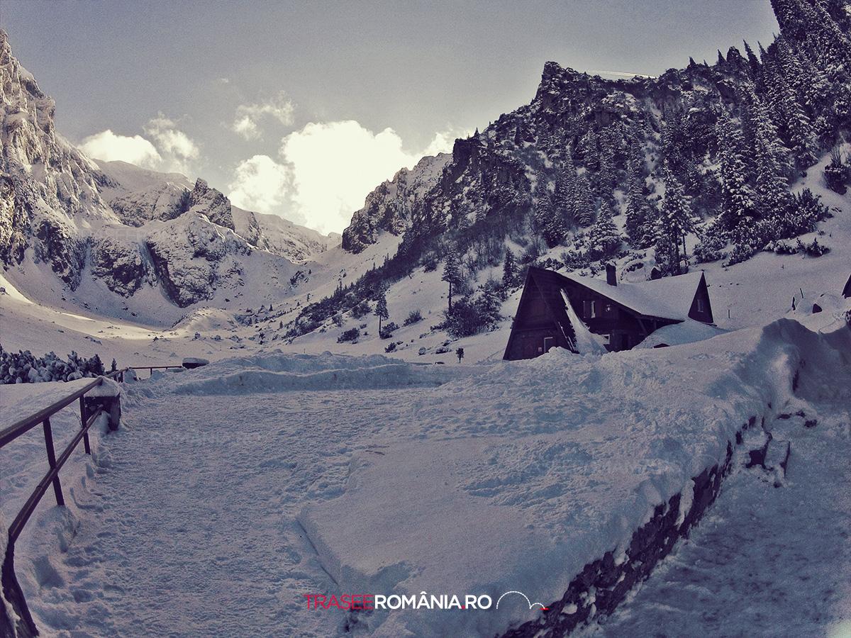 Cabana si refugiul Salvamont din Valea Malaesti