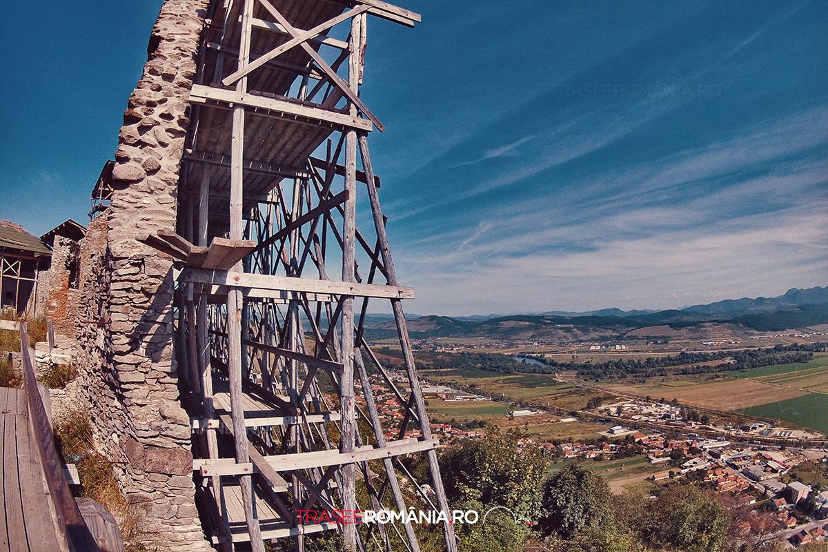 Zidurile Cetatii Medievale Deva