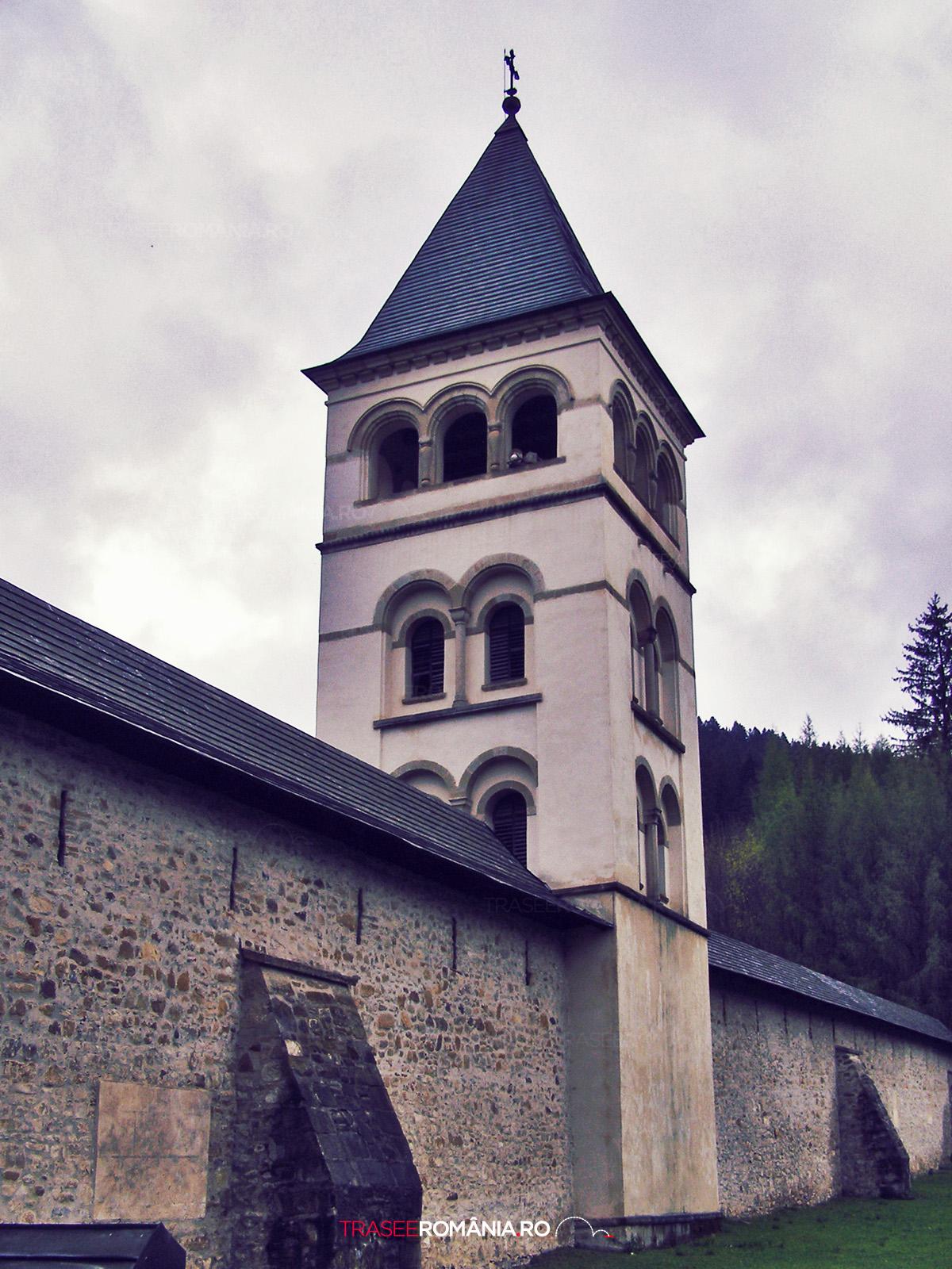 Zidul de aparare a Manastirii Putna
